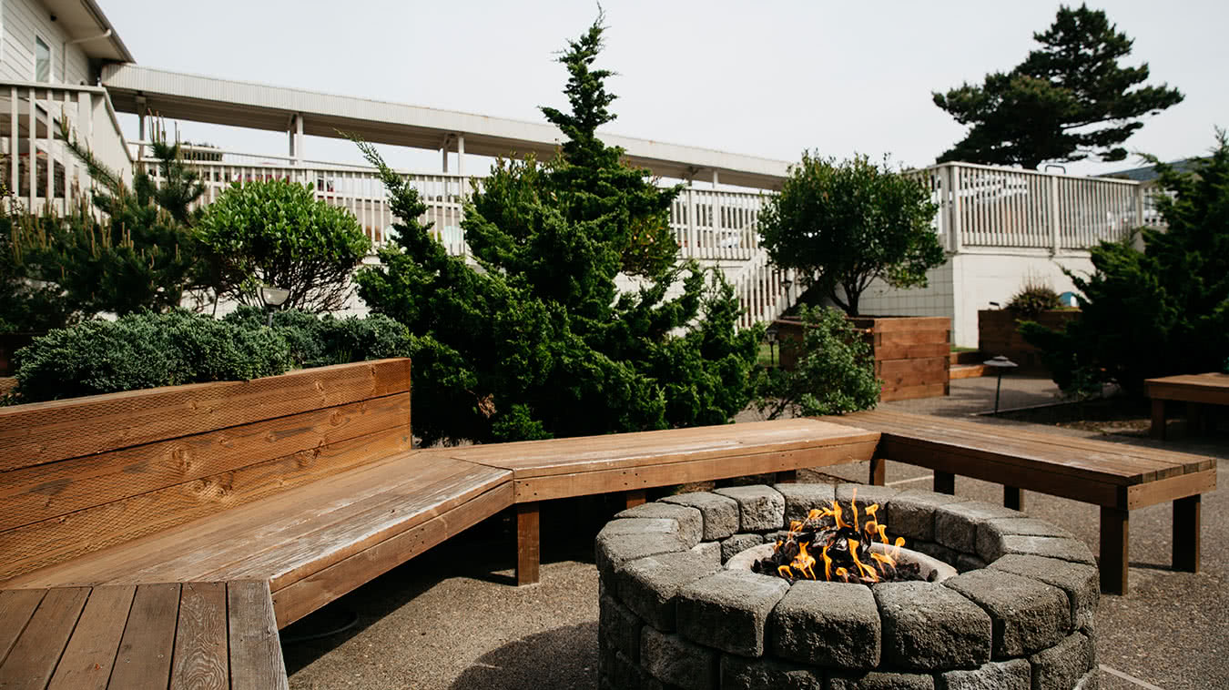Surftides Courtyard and Fire Pit
